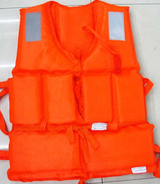 free shopping Adult foam life vest life jacket inflatable boat life saving vest rescue whistle(China (Mainland))