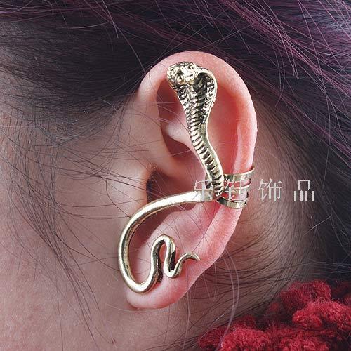 E005 2012 -ear trend fashion series serpiform vintage earrings stud earring earrings (can mixture order)(China (Mainland))