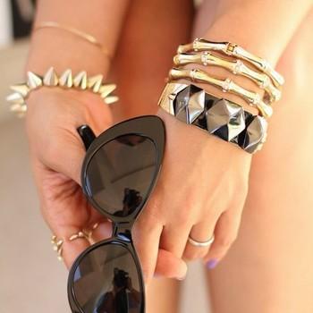 Fashion Europe vintaged personality bone bracelet wholesale free shipping