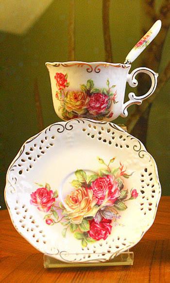 European Style Porcelain Coffee Set Cup Saucers Spoon Pastoralism Tea Set 3 Designs Foam Box Packing