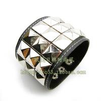 Hot-selling punk rivet leather bracelet wide rivet leather bracelet hand ring free shipping
