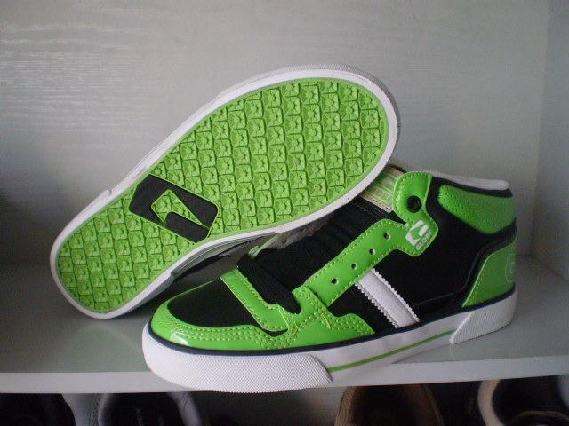 emerica: материалы: глобус скейтборд обувь lakai