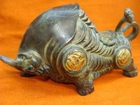 Rare Old 18C Tibet bronze Running Bull Statue/ Sculpture,best collection&adornment,free shipping