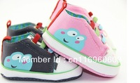 Free Shipping   soft outsole baby shoes Elastic shoelaces silk-screen frogs shoes and non-slip toddler shoes hot sale! MOQ 1pair