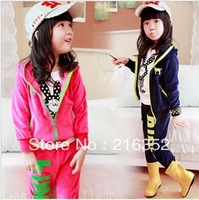The new velvet PINK of the girls letters zipper hooded sport suit coat children's suit free shipping