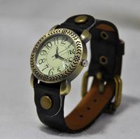 Fashion table  vintage rivet quartz ladies wrist watch free shipping