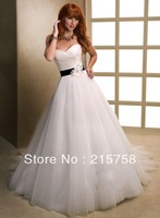 New arrival 2013 Free shipping A line   sweetheart neckline handmade flower tulle  white    Wedding Dress