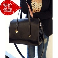 Free shipping2013 new brand fashion rivet bag shoulder bag Messenger bag rivet