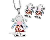 FREE SHIPPING Fashion Cute Women&Girls Jewelry Set Stainless Steel Pretty Little Girl Pendant&Earring
