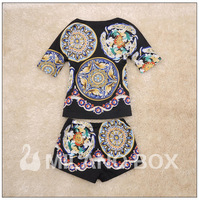 Free shipping Top brand high quality Runway 2013 spring/summer  Bohemian printing real satin  T-shirt + short pants sets