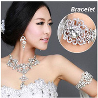 Free Shipping!Silver Heart Style Rhinestone Bridal Armlet  Wedding Or Party Bracelet And Bangles QSL002