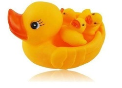 hot-saleMummy & Baby Rubber Race Cute Ducks Family Squeaky Bath Toys For Kids Set New[030503](China (Mainland))