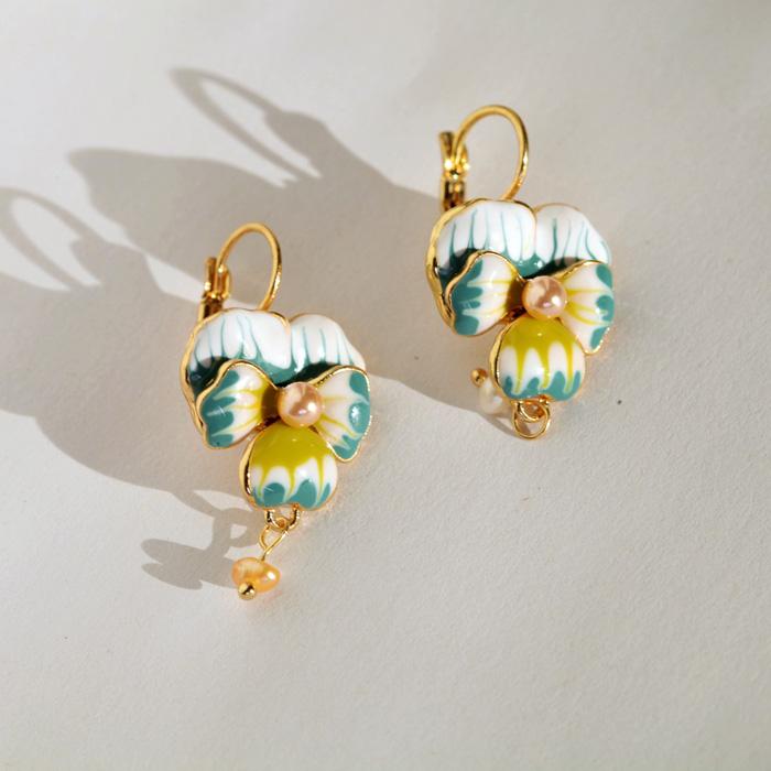 Fashion fashion accessories oil phalaenopsis flower women s sweet earrings Factory Wholesale