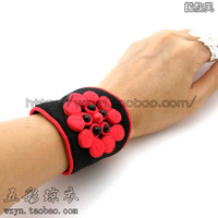 Flowers national trend fabric bracelet handmade unique plate buttons hand-knitted bead wristband