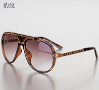 Brand New leopard print High-end craft carving frame Unisex Fashion Sunglasses gradient anti-UV sunglasses free shipping