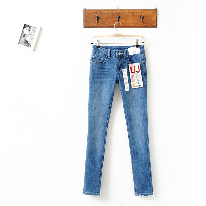 Newest Free shipping L6002 Women 2013 spring new blue stretch Slim casual women's jeans(China (Mainland))