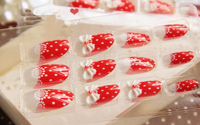 Free shipping,2013 hot sale lady Cream strawberry pattern fake nails,24 pieces/set,wholesale,drop shipping,HJJ017(China (Mainland))