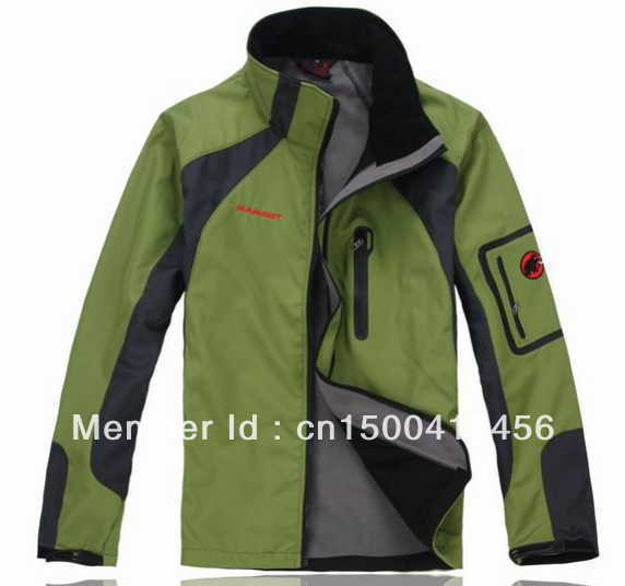 2013 High Quality men's Outdoor New men's outdoor soft shell charge clothes fashion Spring autumn hoodie coat jacket(China (Mainland))