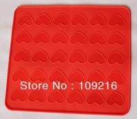 Green Good Quality 100% Food Grade Silicone Macaron/ Dessert  30-Hole Little Love Baking Mat