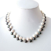 White& black freshwater Pearl Necklace 18