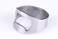 Free Shipping 150pcs/lot  Stainless Steel Beer Bar Tool Finger Ring Bottle Opener