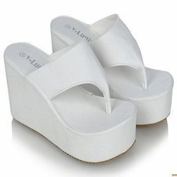2013 platform brief fashion female slippers wedges flip flops casual all-match ladies' slippers(China (Mainland))