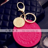 Fashion big round plate japanned leather bags hangings keychain pendant accessories keychain gift