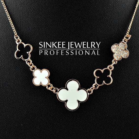 wholesale free shipping hollow choker necklace chain crystal necklace chain clover neckalce chain XL140(China (Mainland))