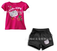 Free shipping! 2013 New Hello kitty Children's Suit/ baby girl 2pcs set, short sleeve t-shirt+pants,girl's fashion suit