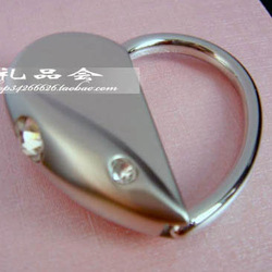 Free shipping Trolley heart shape car keychain male women's metal key chain key ring(China (Mainland))