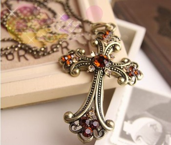 VANA  Free Shipping Vintage Cross and Skull Pendant with Flower Necklace Discount Costumes Skull Candy Necklaces for Women