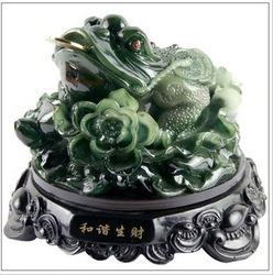 Resin crafts imitation jade crafts Queen Jinchan Lucky evil spirits(China (Mainland))