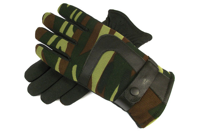 Outdoor Camouflage military gloves winter gloves winter thermal cycling gloves hiking ride(China (Mainland))