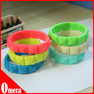 12pcs Big Rivets Bangle Bracelets Elastic Resin Pyramid Bracelets 6colours(China (Mainland))