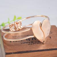 (Min order is $10) Han edition love bracelet shape