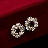 2013 New Fashion High Quality ELegant Lovely 14K Gold Plated Flower Crystal Simulated Diamond Stud Earring for Women Lady Girl