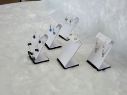 wholesale promotion Jewelry display small earring cards white with black base easel earring display(China (Mainland))