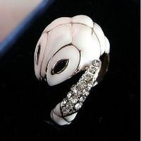 Elegant Exquisite Little White Snake Ring Finger Rings Crystal Vintage Jewelry 014