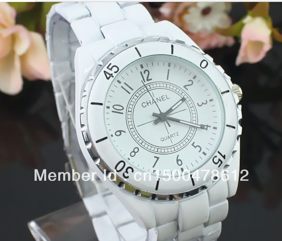 Wholesale New Fashion Round dial Decoration Wrist Wacthes Free Shipping For men women(China (Mainland))