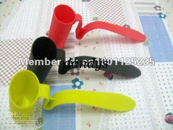 100pcs/lot clip-on tea strainer infuser filter sifter assorted colors free shipping(China (Mainland))