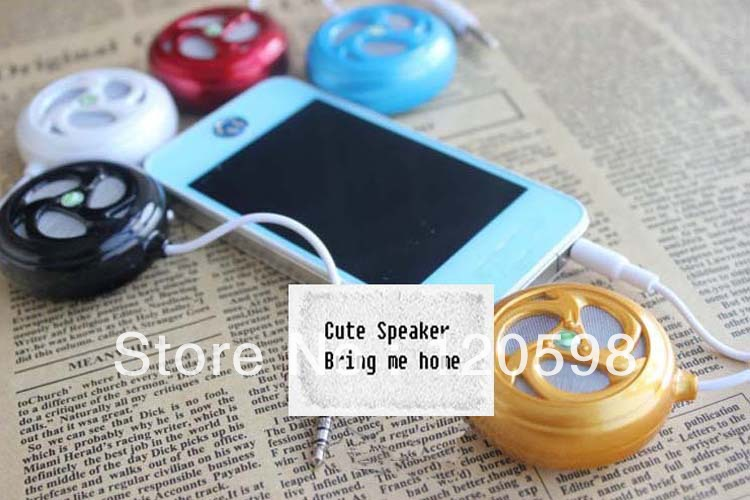 Stereo Music 3.5mm Audio Docking Loudspeaker Mini Speaker for iPhone Samsung Tablet PC MP3 Cell Phone ipod nano(China (Mainland))