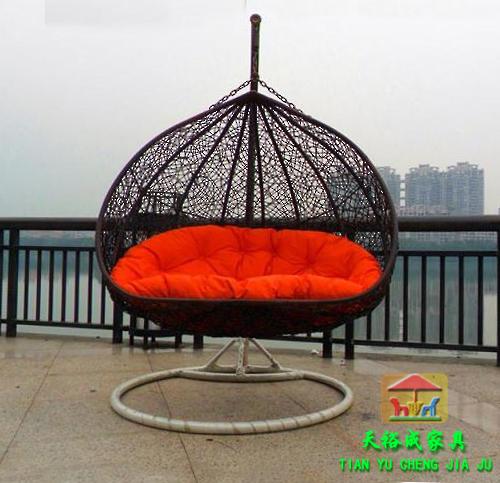 Мебель из ротанга на балкон..