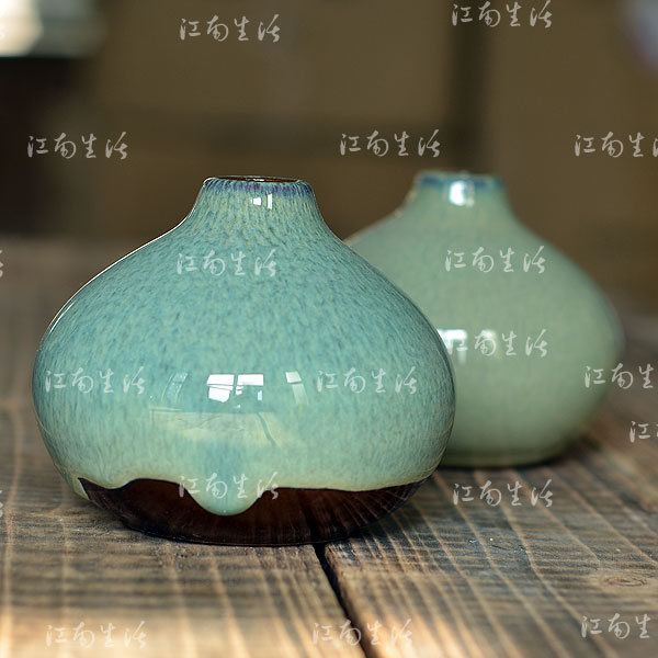 Chiangnan life japanese style coarse pottery home decoration mini flower holder small vase 1 flowers(China (Mainland))