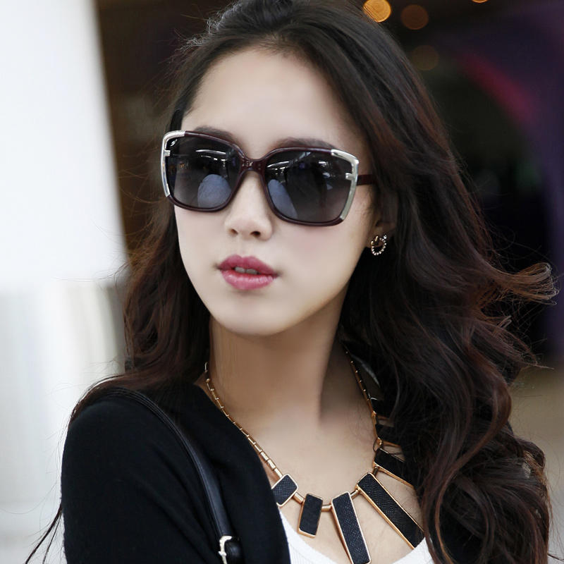 On sale Female large sunglasses polarized sunglasses 8313 big box sportscenter mirror driver sunglasses hot Free shipping(China (Mainland))