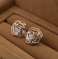 Super good quality hollow camellia loose diamonds rose gold titanium steel plated 14K earrings rose gold earrings ME-104