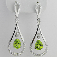 Natural green peridot crystal stud earring 925 pure silver gemst0ne angel tears drop