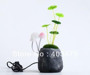 Free shipping Novelty Avatar Romantic Mushroom night light cute LED Desk Lamp holiday gift lamp