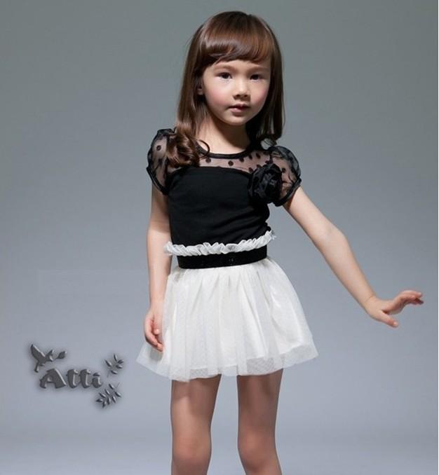 Short knit dress Photo 9