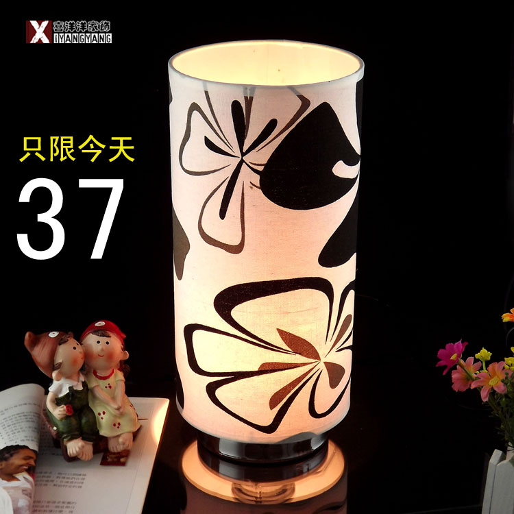 free shipping Fashion table lamp american rustic flowers and plants table lamp rose ofhead wedding decoration warm lamp(China (Mainland))