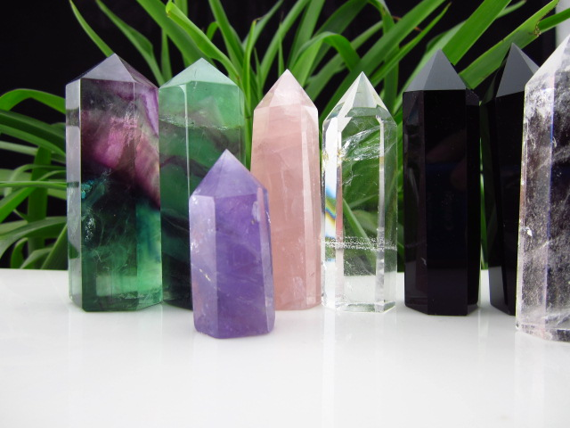 Natural crystal 7 nunatak amethyst pink crystal bruiachite white crystal obsidian single column energy(China (Mainland))